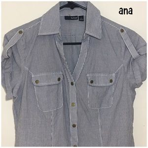 a.n.a blue white snap up blouse Small